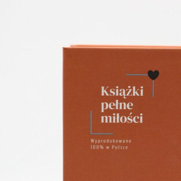 logotyp książek pełnych miłości - zdjęcie okładki